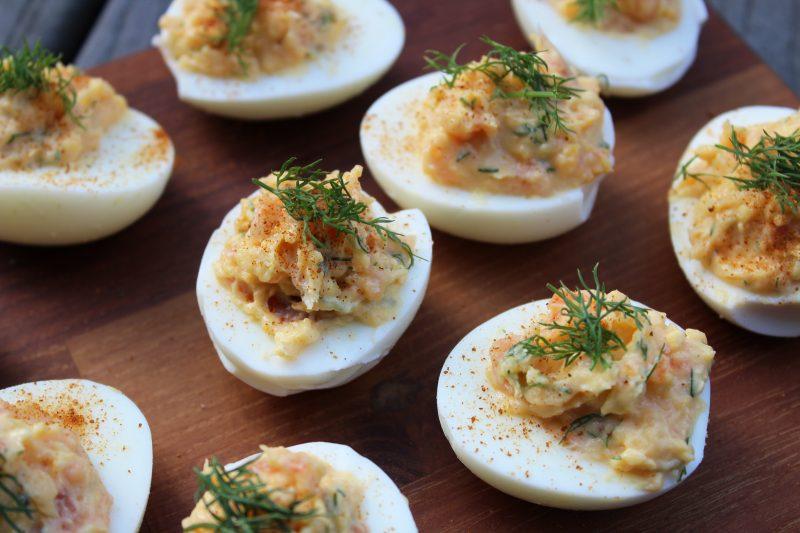 Aperitief-eitjes met zalm