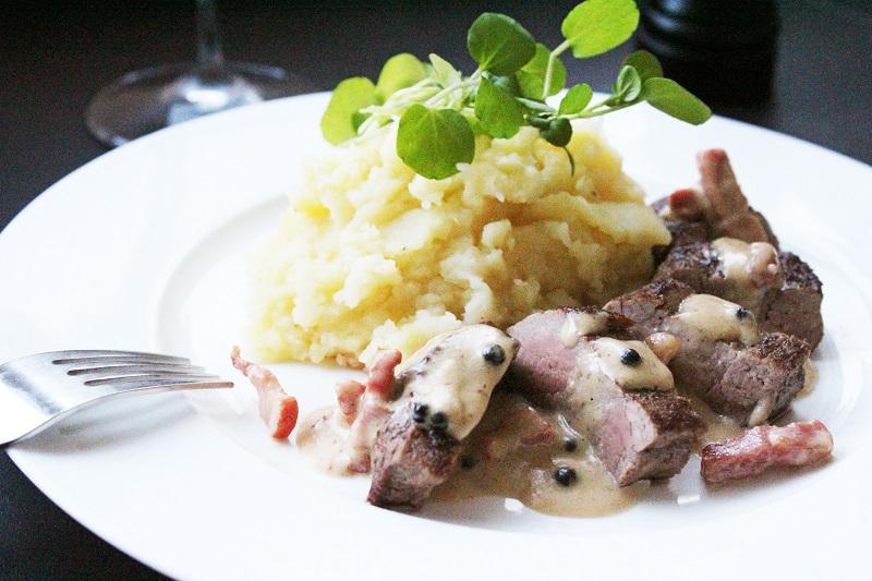 Biefstuk met pepersaus en knolselderpuree (Colruyt)