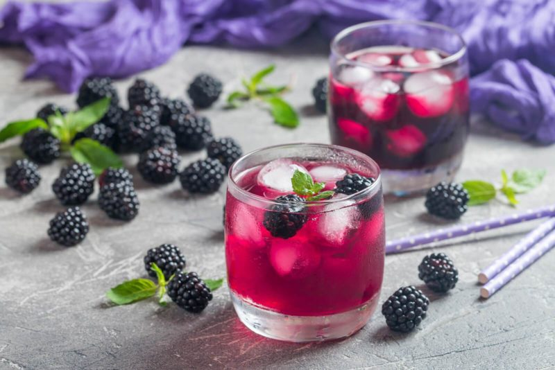 Blackberry Lemon Gin-Tonic