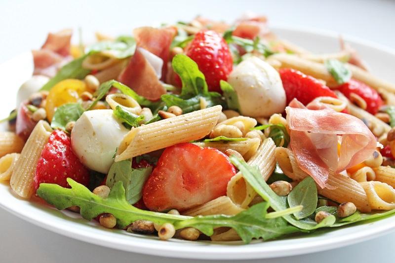 Italiaans pastaslaatje met aardbeien (Colruyt)