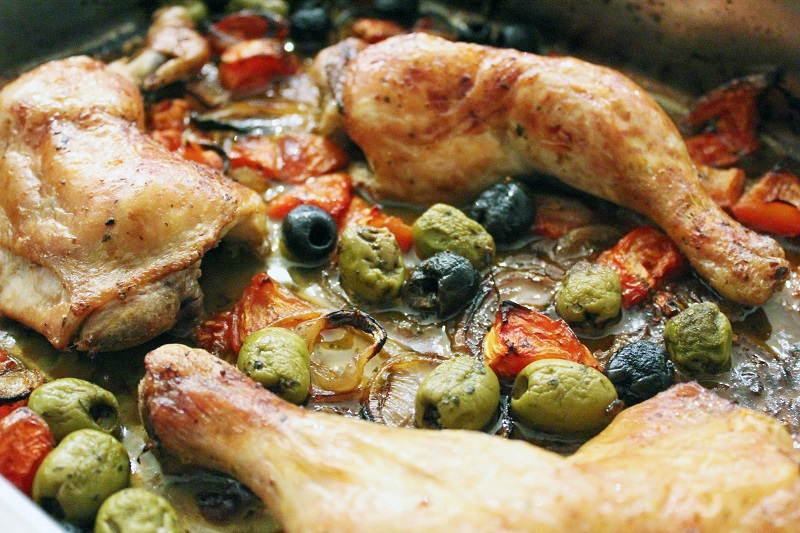 Kip met citroen, olijven en tomaten (Pascale Naessens)
