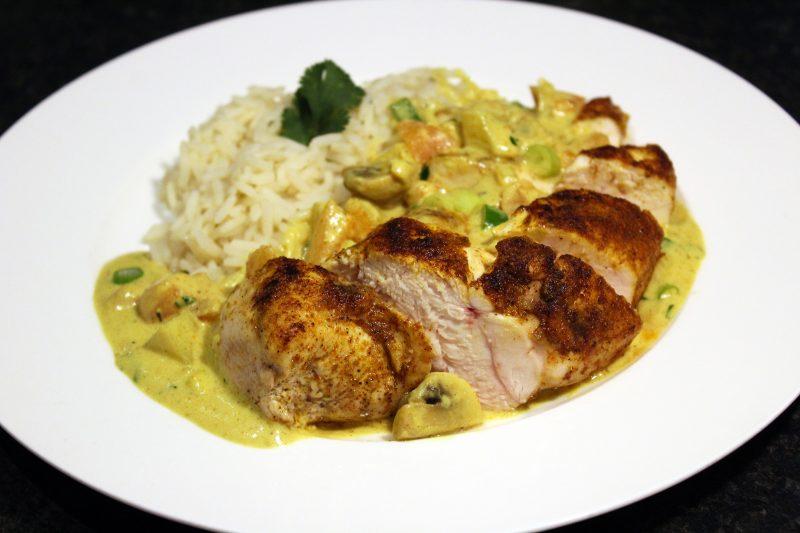 Kip met rijst en currysaus (Peter Goossens)
