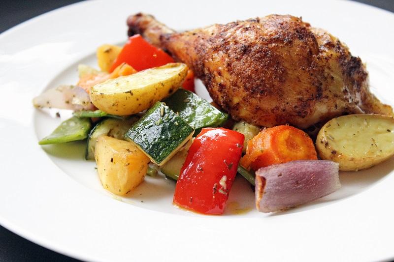 Kip uit de oven met geroosterde groenten (Colruyt)