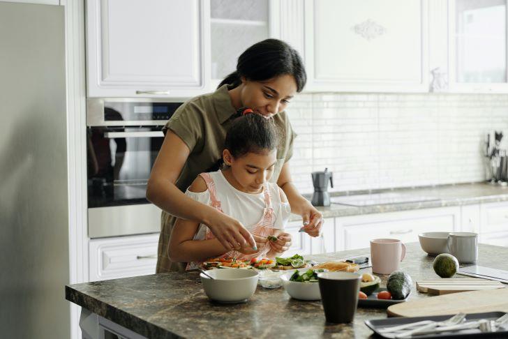 Groeit je oogappel sneller dan jezelf wilt? Samen inrichten en koken schept een band!