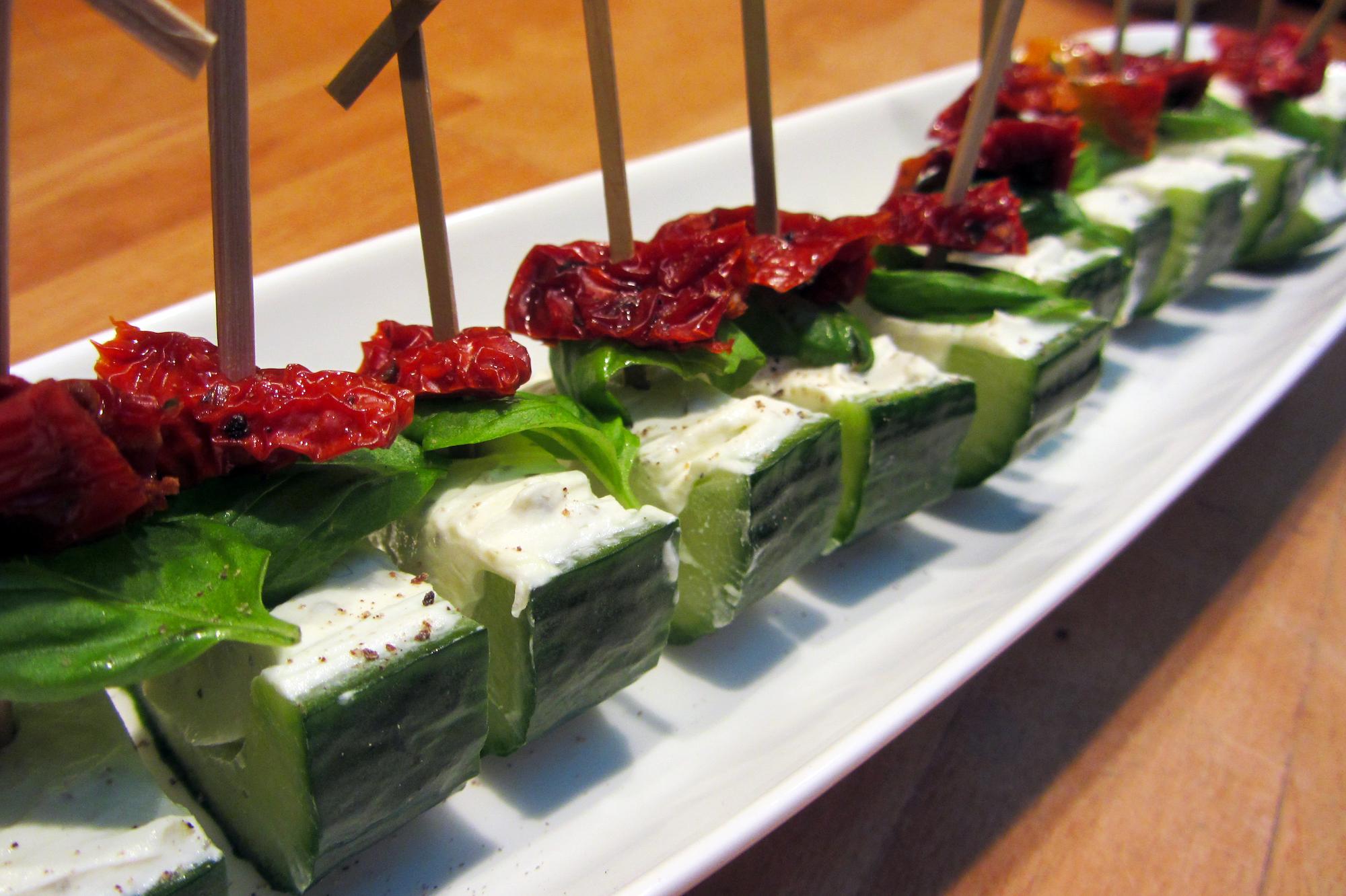 Komkommermaantjes met kruidenkaas