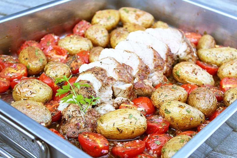 Kruidig varkenshaasje met geroosterde krieltjes en tomaten (Colruyt)
