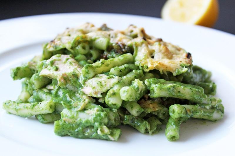 Macaroni met zalm, spinazie en kaassaus (Jeroen Meus)