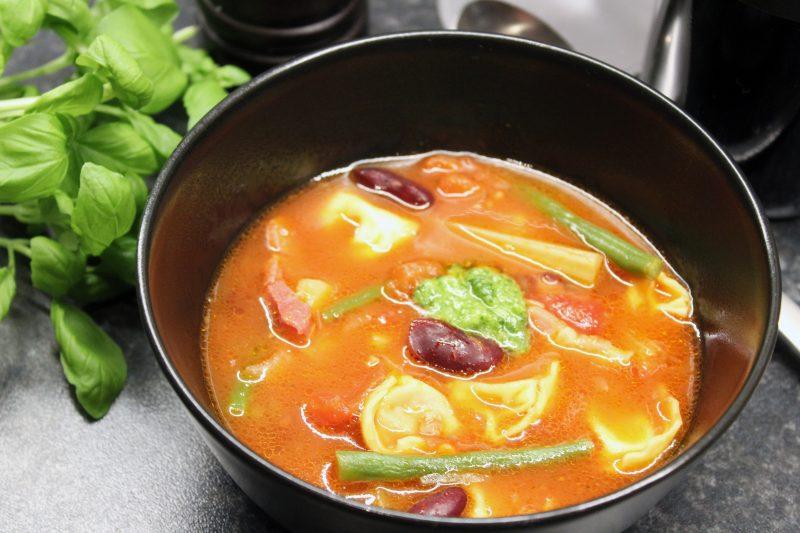Minestrone met spek en tortellini (Colruyt)