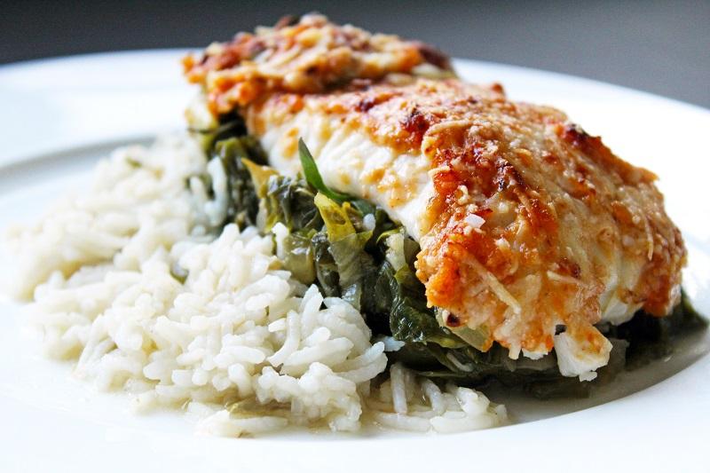 Ovenschotel met rijst, tomatenpesto en koolvis (Sofie Dumont)