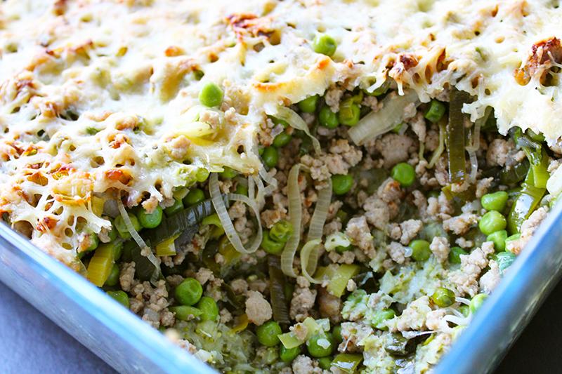 Ovenschotel van broccolipuree, groene groenten en kalfsgehakt (Sandra Bekkari)