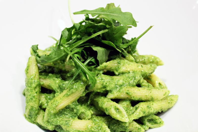 Penne met avocado-rucolapesto (Colruyt)