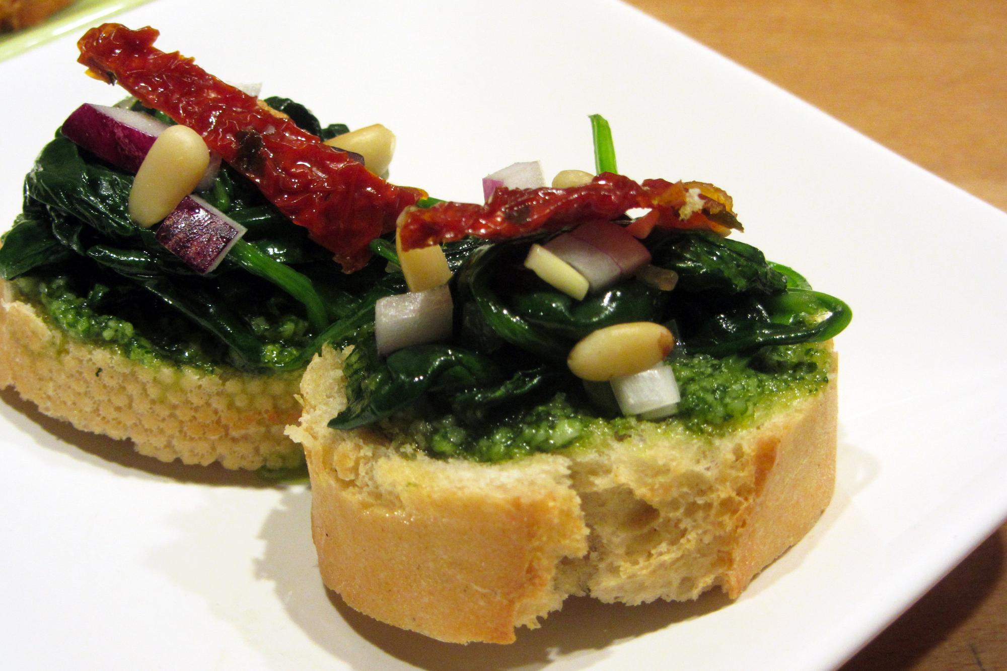Pestotoastjes met spinazie