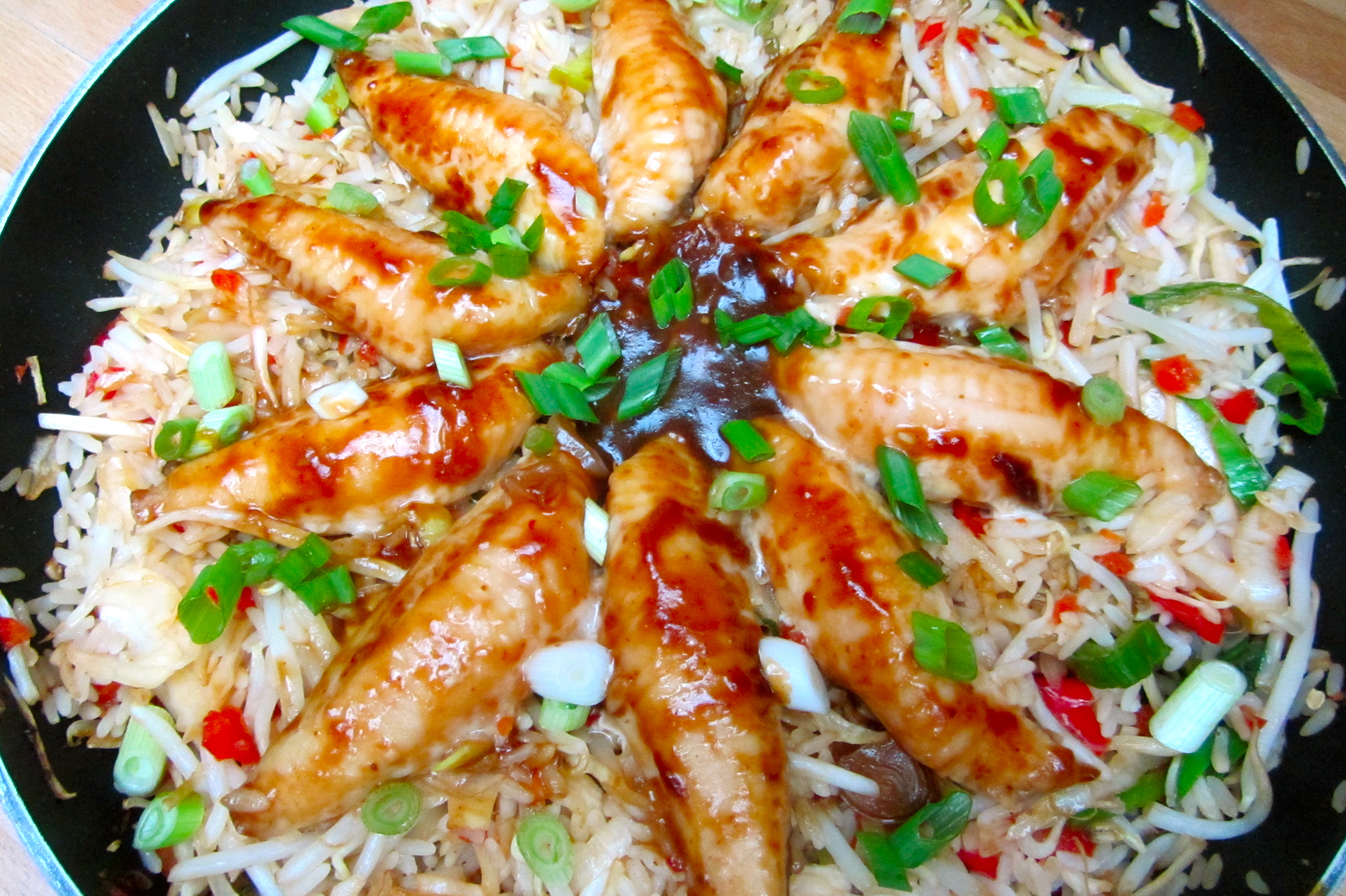 Poonfilets in ketjapsaus met gewokte rijst