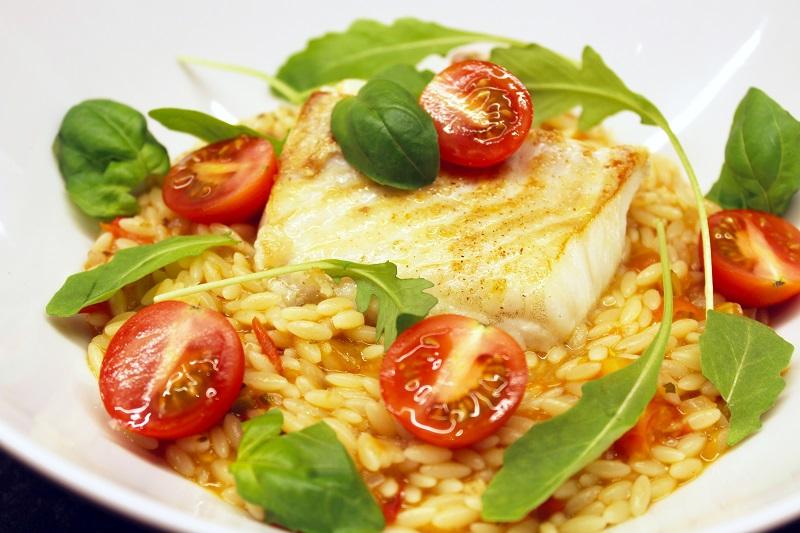 Roodbaars puttanesca met Griekse pasta (Jeroen Meus)