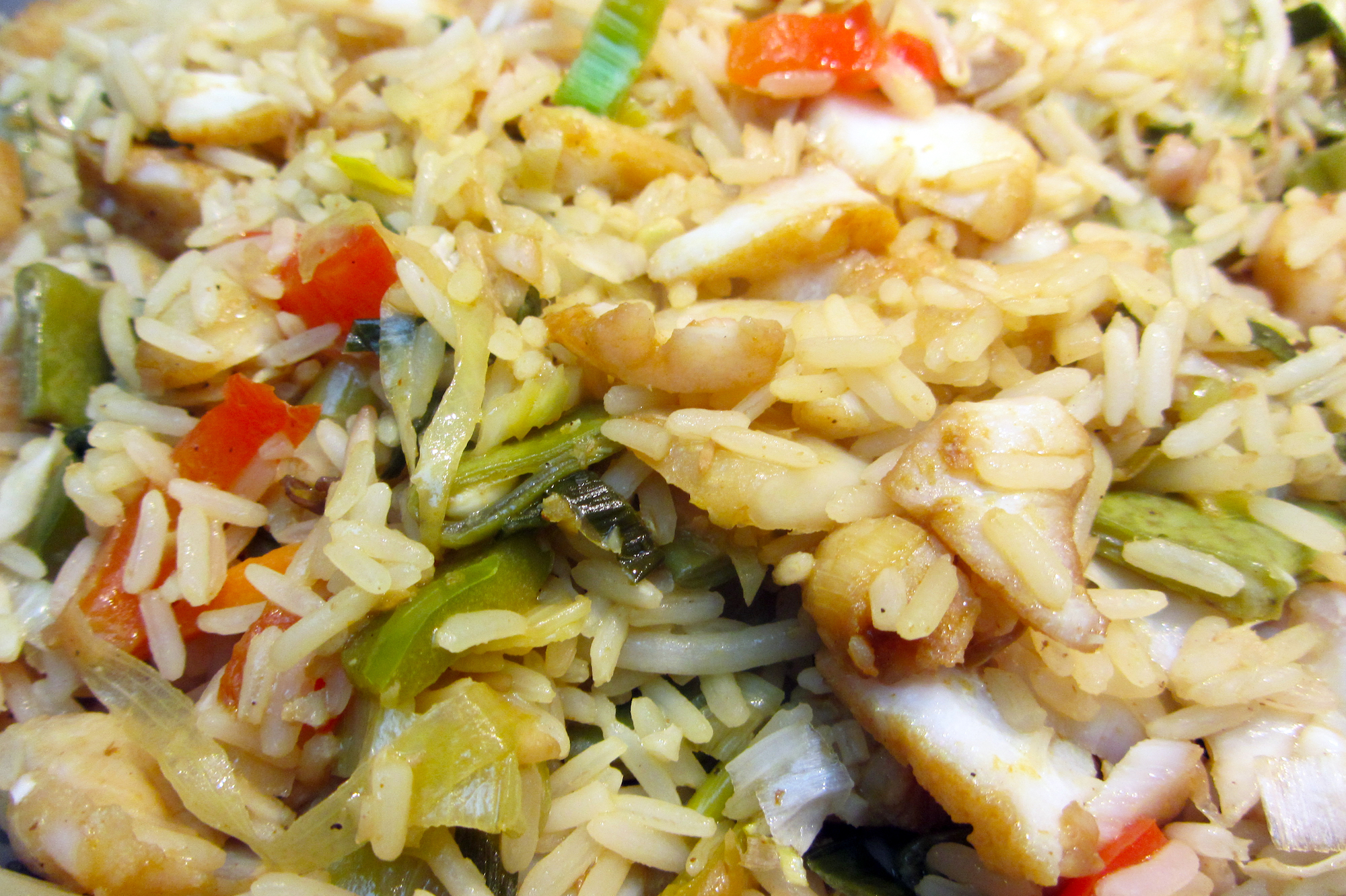 Snelle rijstwok met vis