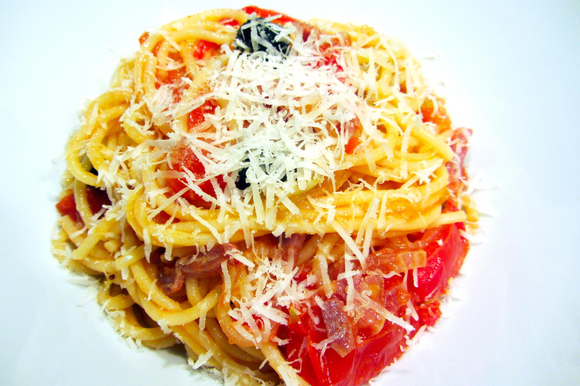Spaghetti all'Amatriciana (Antonio Carluccio)