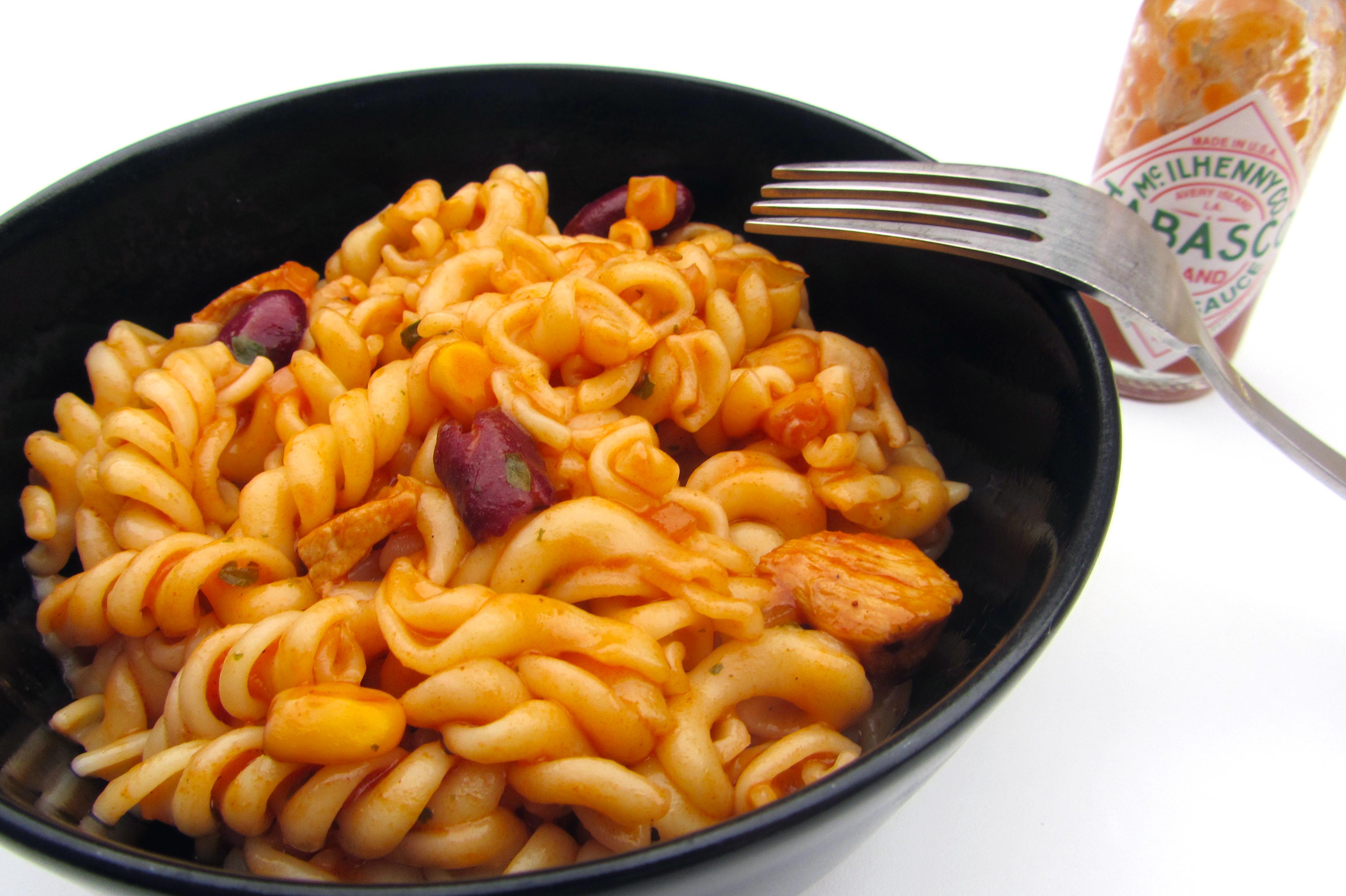 Spicy cajunpasta met gemarineerde kip