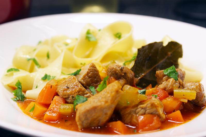 Spiering met paprika en pasta (Jeroen Meus)
