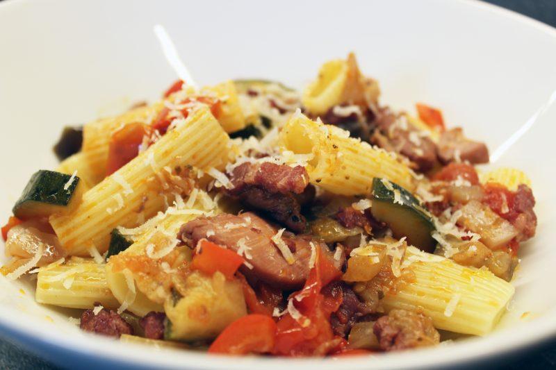 Stoofpot met kip en pasta (Jeroen Meus)