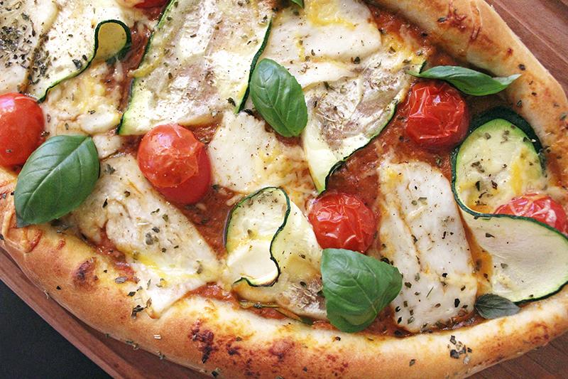 Turkse pizza met halloumi en courgette