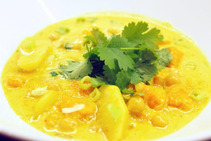 Vegetarische curry van herfstgroenten