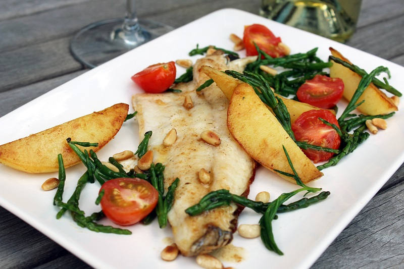 Zeebaars met gebakken aardappel en zeekraal (Colruyt)