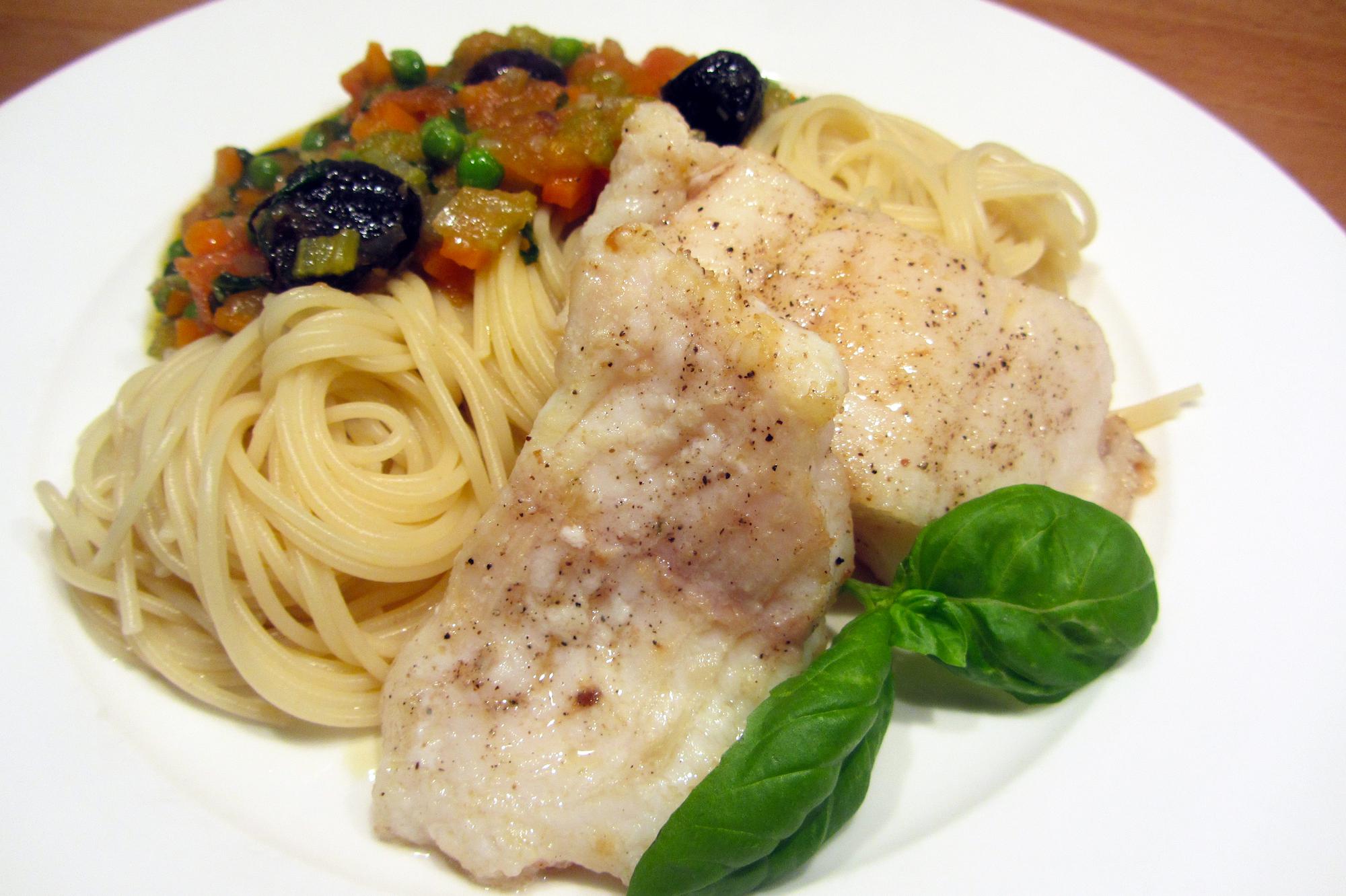 Zeewolffilet met capellini en groentesaus (Jeroen Meus)