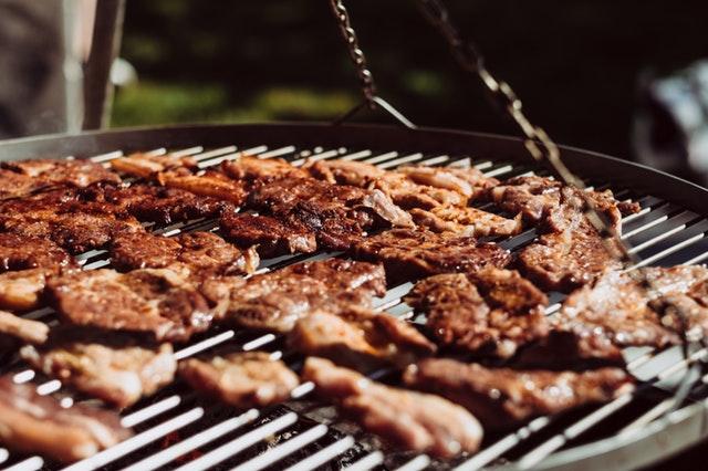 Barbecueën tijdens de feestdagen: zo verras jij je bezoek